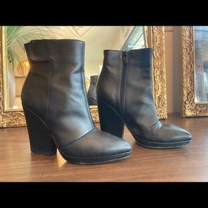 VINCE Leather Boots